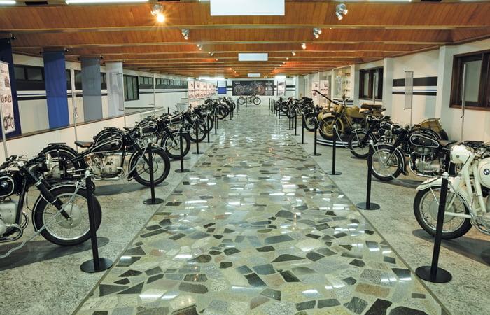 aMuseu BMW Curitiba