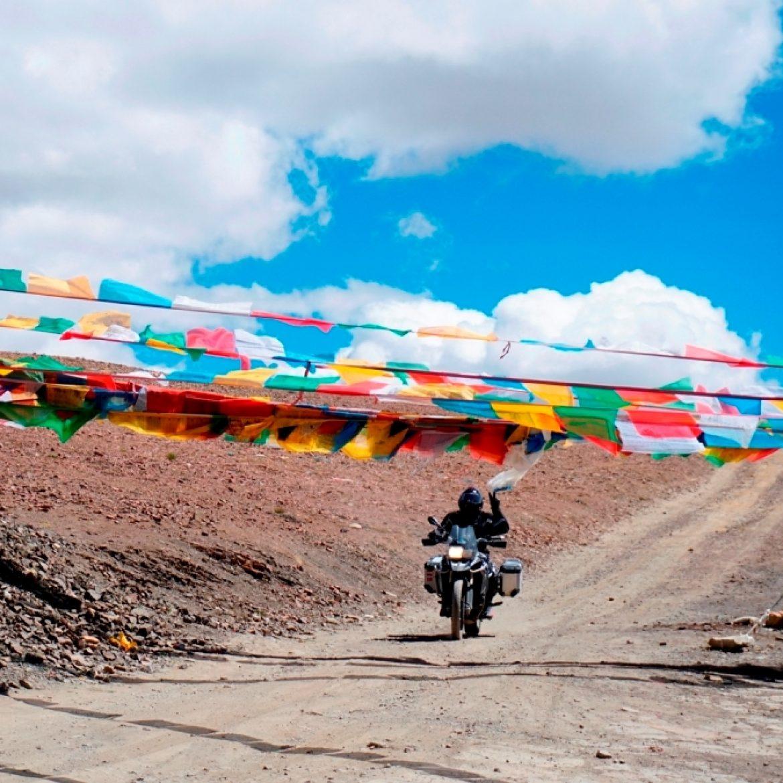 Últimas vagas para rodar de moto pelo TIBET