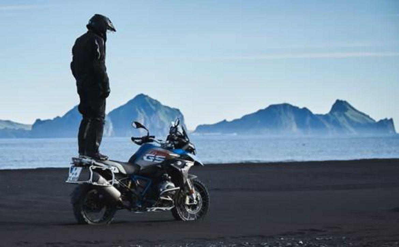 BMW Motorrad lança conjunto Enduro Guard, o mais eficiente para encarar aventuras em duas rodas