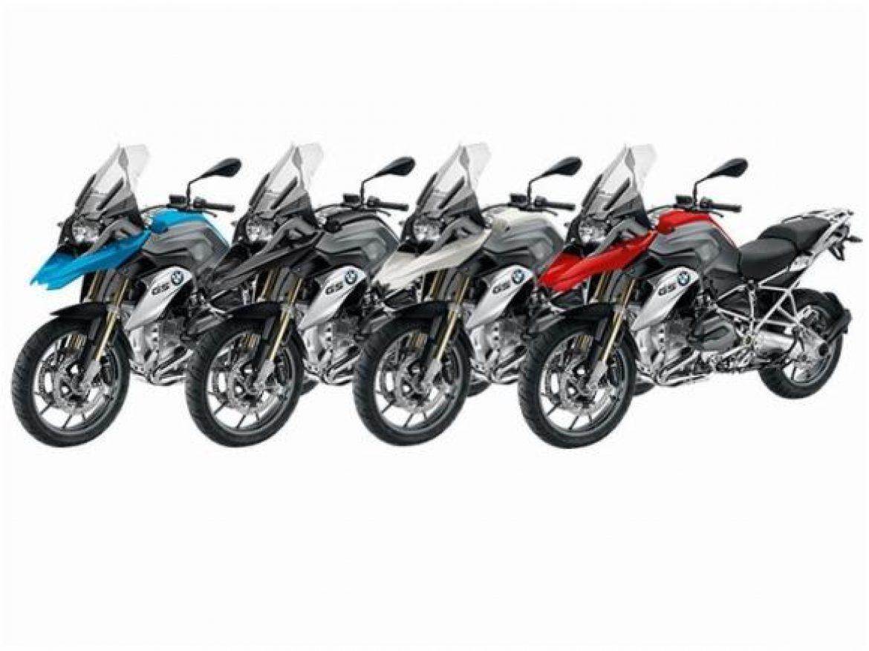 Negociando novas compras de motocicletas.